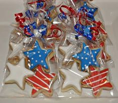 of July Cookie Favors - All Holidays & Celebrations - # Patriotic Desserts, 4th Of July Desserts, Fourth Of July Food, 4th Of July Celebration, 4th Of July Party, July 4th, Patriotic Sugar Cookies, Patriotic Crafts, Firecracker Cookies