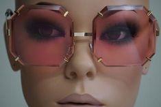 Designer Shades, Fashion Eye Glasses, Cute Eyes, Sunnies, Eyewear, Fashion Accessories, Jewels, My Style, How To Wear