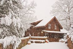 Snow Cabin, Great Smokey Mountains, Tennessee photo via snoow what it looks like now Snow Cabin, Winter Cabin, Cozy Cabin, Winter Road, Winter Christmas Scenes, Winter Scenes, Christmas Cards, Christmas Decorations, Cabana