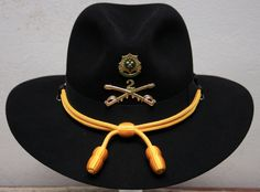 Good evening to all Cavalry Troopers, I know that many of us, perhaps not all, have a Cavalry Hat. It may be a Stetson or any other Slouch or Western style… 1911 Leather Holster, American Indian Wars, American History, Mens Dress Hats, Army Day, Diy Friendship Bracelets Patterns, Mens Fashion Wear, Western Hats, Hat For Man