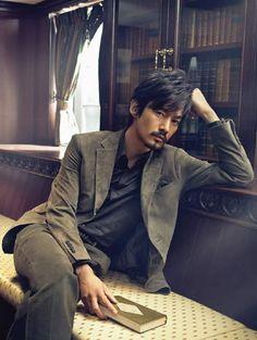 Takenouchi Yutaka - Sato look - a little neater, maybe. Asian Celebrities, Asian Actors, Korean Actors, Japanese Boy, Japanese Drama, Handsome Asian Men, Older Men, Portraits, Good Looking Men
