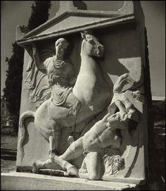 Herbert List GREECE. Athens. Grave stele of Dexileos. 1937. Modern Photography, Street Photography, Herbert List, Max Ernst, Magnum Photos, Athens, Old Photos, Erotic, Greece
