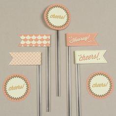 à fixer sur des pailles, en cupcake toppers, sur vos invitations ou vos pages de scrap, des drapeaux et décorations rondes...