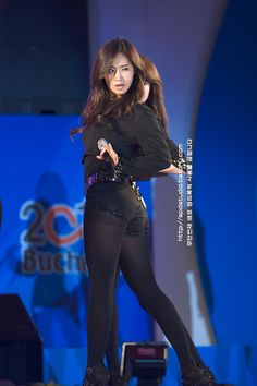 http://www.girlsgen.com/gallery/plog-content/images/yuri/yuri-photos-1/snsd-yuri-0037.jpg