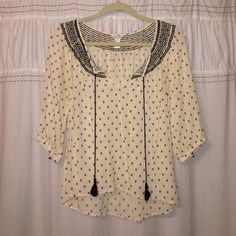 Forever 21 blouse Size small. Forever 21 blouse. 3/4 sleeve. Detailed pattern throughout. EUC Forever 21 Tops Blouses