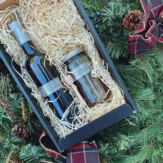 Ready for the holidays? We have amazing gifts including this Holiday Gift set containing our wildflower honey and extra virgin olive oil! A great present at $50 See all of our gifts on our Caspar Estate website! #napavalleygifts #napagifts #napagiftboxes #itsfromnapa #honey #honeygift #honeygiftset #oliveoil #evoo #catchingradiance