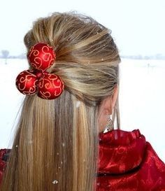 Holiday Hairstyle: The Great Gatsby Look for Short & Long Hair Chic Hairstyles, Christmas Hairstyles, Party Hairstyles, Hairstyle Ideas, Gatsby Look, Graduation Hairstyles, Playing With Hair, Christmas Fashion, Christmas Decor