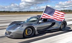 Texas-based Hennessey Performance Engineering team just released an amazing high-definition video of their Venom GT breaking an incredible s...