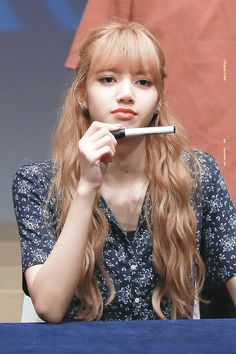 Your source of news on YG's biggest girl group, BLACKPINK! Please do not edit or remove the logo of. Kpop Girl Groups, Korean Girl Groups, Kpop Girls, Divas, Kim Jennie, Forever Young, K Pop, Blackpink Thailand, Square Two