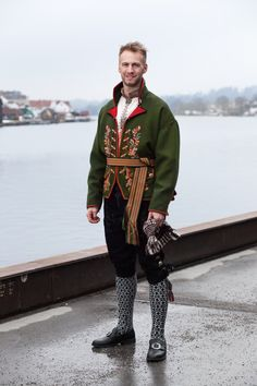 Mannsdrakt Folk Costume, Costumes, Norwegian Clothing, Norwegian People, Frozen Costume, Cottage In The Woods, Folk Embroidery, Ethnic Dress, Nordic Style