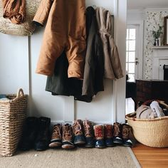 married & mothering three | simple, handmade homemaking | storytelling through the seasons | amanda@homesongblog.com