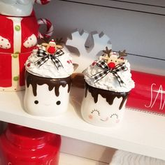 Cute Marshmallows, Yellow Glitter, Fake Cake, Little Cup, Paper Straws, Christmas Mugs, Crepe Paper, Mugs Set, Cupcake Toppers