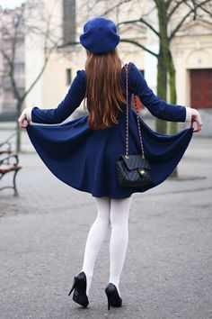 navy winter dress with matching hat and white tights. so perfect Navy Winter Dresses, Blue Dresses, Dress Winter, Navy Dress, Parisienne Chic, Style Chic Parisien, Paris Fashion, Winter Fashion, Beret Outfit