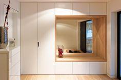 New hallway storage cupboard ideas 45 ideas Home Entrance Decor, House Entrance, Home Decor, Entrance Halls, Flur Design, Hall Design, Hallway Storage, Cupboard Storage, Cupboard Ideas
