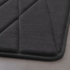 UPPVAN Bath mat, anthracite, Treat your feet to the softest landing each time you step out of the shower. This plush bath mat cradles your feet in comfort. Pet Bottle, Synthetic Rubber, Raw Materials, Dry Cleaning, Memory Foam, Bath Mat, Recycling, Plush, Master Bathroom