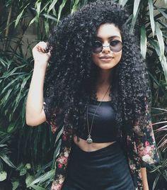 Afro hair of girls                                                                                                                                                      Mais