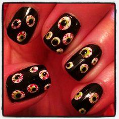 spooky halloween nails!