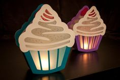 Craft template cupcake lantern to St. Martin Craft template cupcake lantern to St. Diy Bottle, Bottle Crafts, Christmas Morning, Christmas Gifts, Reuse Plastic Bottles, Organic Maple Syrup, How To Make Lanterns, Pumpkin Spice Cupcakes, Woodland Party