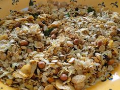 Oats are rich in fibre and a good source to boost your energy. One can incorporate this healthy food in your daily diet through breakfast, evening snack or why not try a spicy Indian version. Using a healthy twist oats can be added to traditional Marathi chivda recipe along with Poha. Try it out this monsoon!