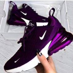 The Amazing Nike Purple Air Max - Workout Clothes - Modetrends Purple Sneakers, Cute Sneakers, Wedge Sneakers, Sneakers Nike, Purple Nike Shoes, Ladies Sneakers, Sneakers Design, Black Shoes, Nike Casual