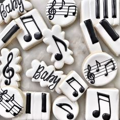 Music Cookies, Star Cookies, Royal Icing Cookies, Rock Baby Showers, Chocolate Chip Recipes, Chocolate Chips, Graduation Cupcakes, Tiramisu Cake, Halloween Cupcakes