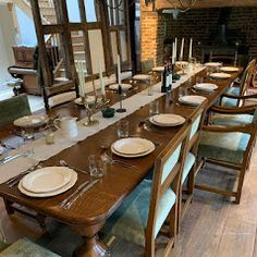 Elisabeth James Antiques specialise in antique dining tables and sets of antique dining chairs with bespoke hand finishing and upholstery work #antiquediningtableandchairs #perioddiningroom #antiquediningtables #victoriandiningroom #regencydiningroom #georgiandiningroom #regencydiningtable #vistoriandiningtable #georgiandiningtable #regencydiningfurniture #georgiandiningfurniture #victoriandiningfurniture #periodinteriors #interiordesign #antiqueinteriors #antiquefurniture #antiquetables