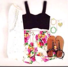 Crop top & floral shorts
