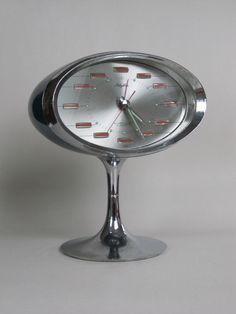Rhythm two 2 jewels alarm clock stunning space age by decirculo, €69.00
