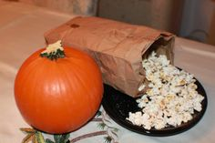 Curts Delectable Creations: Microwaved Pumpkin Pie Spiced Kettle Corn