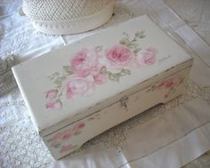Vintage Roses Keepsake Box available at http://www.debicoules.com/item_549/Vintage-Roses-Keepsake-Box.htm