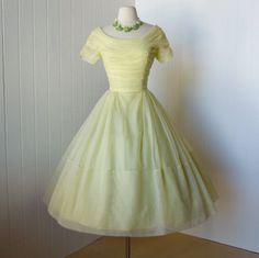 lemon chiffon…vintage 1950s dress @traven7 on etsy