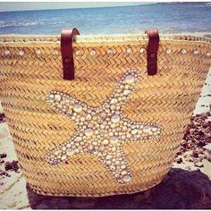 b makowsky hobo bags; hobo purse is back in trend Ibiza, Diy Sac, Unique Purses, Boho Bags, Straw Tote, Basket Bag, Summer Bags, Handmade Bags, Bag Making