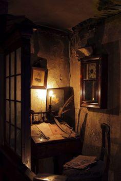 Paradis Sombre, John Cheever, Le Terrier, Bg Design, Brown Aesthetic, Aesthetic Bedroom, Room Inspiration, Light In The Dark, Decoration
