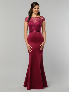 DaVinci Bridal is your ultimate destination for Bridesmaid Dresses, Designer wedding gowns and best bridal dresses online. Affordable Bridesmaid Dresses, Designer Bridesmaid Dresses, Designer Wedding Gowns, Bridesmaids, Davinci Wedding Dresses, Wedding Dresses Photos, Bridal Wedding Dresses, Bridal Dresses Online, Clothes