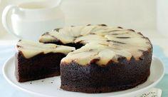 Le gâteau renversé choco-poires offre un très bel effet décoratif de rosace une fois retourné. De plus, les poires lui confèrent beaucoup de moelleux.