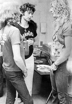 Jimmy Page and Robert Plant of Led Zeppelin Jimmy Page, Robert Plant Led Zeppelin, Rock Roll, Great Bands, Cool Bands, Hard Rock, Young Elvis, Blues, John Paul Jones