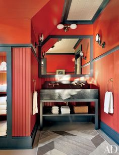 Whoever said a small space can't pack a colorful punch never saw this brightly hued baths. Find all the inspiration you need for creating a vibrant bathroom of your own. | archdigest.com