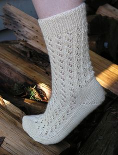 Lace Rib Toe-Up Socks