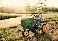 Loved his John Deere tractor! Baby Pictures, Cute Pictures, Summer Pictures, Beautiful Pictures, Cute Kids, Cute Babies, John Deere Kids, Tractor Pictures, Farm Kids