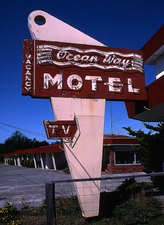 #Ocean Way Motel....Cresent City California Travel California USA multicityworldtravel.com We cover the world over 220 countries, 26 languages and 120 currencies Hotel and Flight deals.guarantee the best price