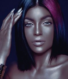 People Are Accusing Kylie Jenner Of Wearing Blackface In A New Photo Shoot
