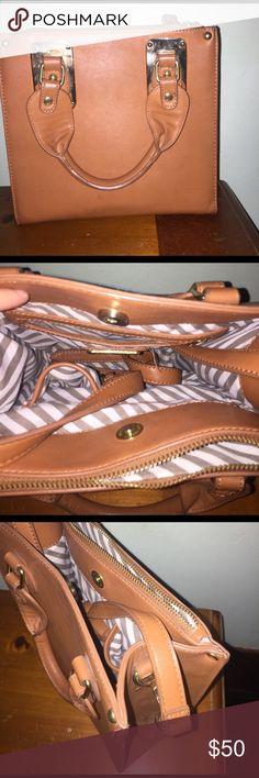 Steve Madden purse Cross Body Steve Madden purse Steve Madden Bags Crossbody Bags