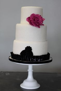 Sugar Sparkle Cake w/Black Ruffle