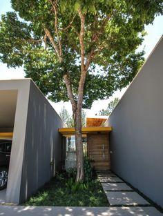 ME House by Otta Albernaz Arquitetura / Jambeiro, São Paulo, Brasil
