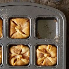 Mini Apple Pies - The Pampered Chef® No Pampered Chef? Use a large (round) cupcake pan & a large (round) cookie cutter. Ta-da!