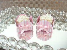 Forminhas para Doces Finos em Papel : Caixeta 4 Pétalas : Rosa Claro / Bebê Listrada - Para decoração de mesa de doces em casamentos, formaturas, 15 anos, aniversário de menina. http://vitrine.elo7.com.br/maisformosa