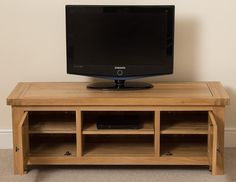 Cottage Light Solid Oak Widescreen TV Unit Make the most of your latest slice of technology by matching it up with this fabulous Cottage Widescreen TV Unit. Dresser Storage, Dresser Drawers, Media Unit, Tv Unit, Tv Display Unit, Cottage Lighting, Free Uk, Solid Oak, Delivery