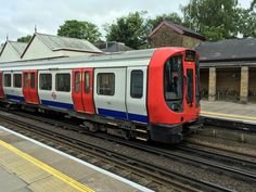 https://flic.kr/p/UY5pWu | Metropolitan Line S8 21051 @Chalfont & Latimer | www.trash80.org.uk/