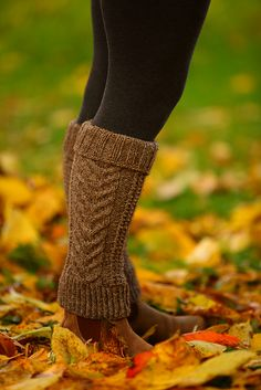 Ravelry: Staghorn Leg Warmers pattern by Nat Raedwulf
