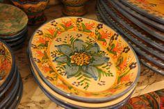 Handmade serving dishes by Antonio Robustella (http://www.manoitaliana.com/antonio-robustella-ceramista)